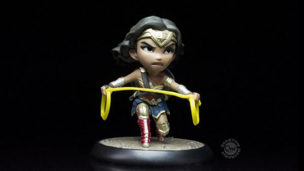 QMX - DC Comics: Justice League: Wonder Woman Q-Fig