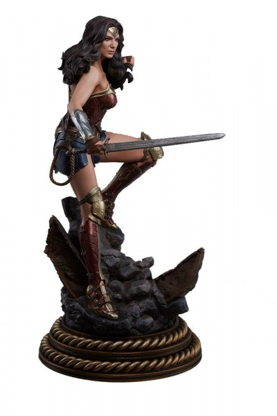 Sideshow - Batman v Superman Dawn of Justice Premium Format Figur Wonder Woman 50 cm